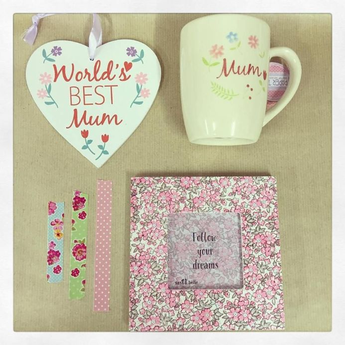 Beautiful Mum Floral Gift Set With Mug, Frame & Heart